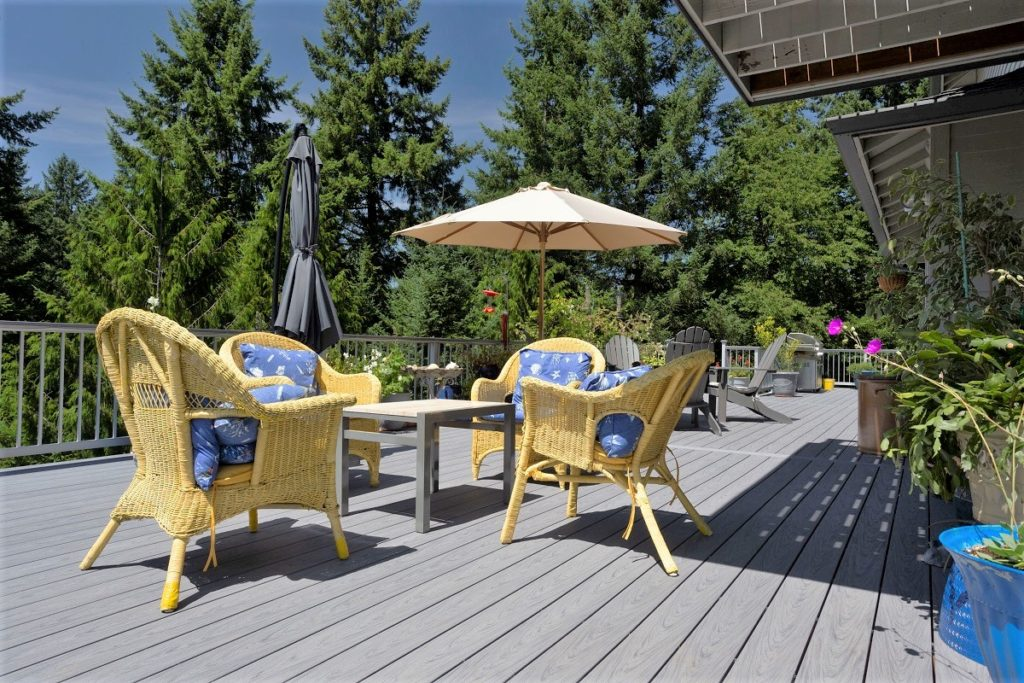 Deckorators composite decking is comfortable on bare feet all year round.