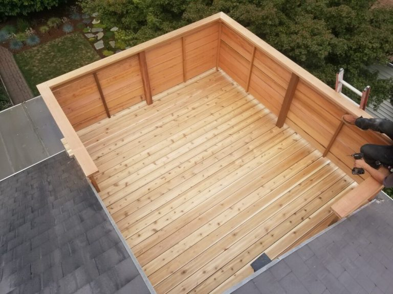 Rooftop cedar deck with privacy wall